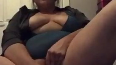 Wife squirting loads again  she wont stop