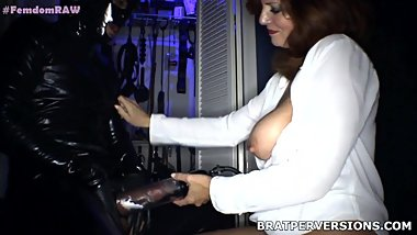 MILFs Know how Pump Dicks