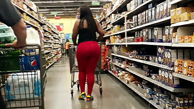 Epic bubble booty in red leggings...