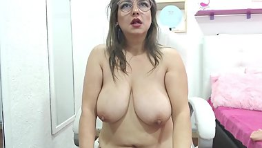 Horny MILF Has Saggy Tits And Big Nipples